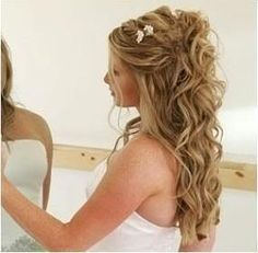 Wedding Hair Down Half up half down wedding hairstyles for long hair 2012 picture Wedding Hair Down, Wedding Hairstyles For Long Hair, Wedding Hair And Makeup, Down Hairstyles, Pretty Hairstyles, Hair Makeup, Bridesmaid Hairstyles, Bridal Hairstyles, Hairstyle Wedding