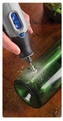"How to etch glass with a Dremel. - How to etch glass with a Dremel. "" How to etch glass with a Dremel. Best Picture For trends insp - Wine Bottle Art, Wine Bottle Crafts, Dremel Tool Projects, Diy Projects, Dremel Ideas, Garden Projects, Dremel Werkzeugprojekte, Dremel Carving, Dremel Rotary Tool"