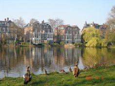4月のフォンデル公園、オランダ 旅行のおすすめ観光スポット。