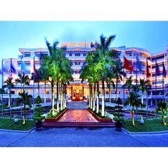 Mua ngay Huế - Khách sạn Century Riverside - 4 sao chính hãng giá tốt tại Lazada.vn. Mua hàng online giá rẻ, bảo hành chính hãng, giao hàng tận nơi, thanh toán khi giao hàng!