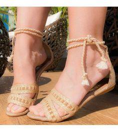 Coral Sandals, Pretty Sandals, Pretty Shoes, Beautiful Shoes, Cute Shoes, Ella Shoes, Shoe Makeover, Indian Shoes, Girls Shoes