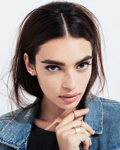 there's something about this girl.. Brows #Storets #Inspiration #Beauty