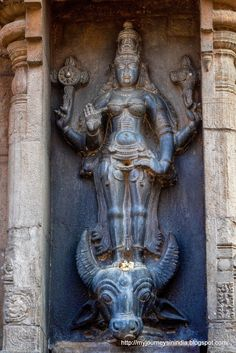 Human Sculpture, Sculpture Art, Lord Shiva Statue, Tanjore Painting, Amman, Indian Gods, Colorful Paintings, Ancient Artifacts, Temple