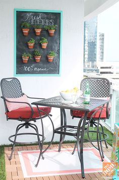 Simple Decorating Ideas for an Awesome Small Patio Makeover