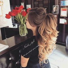 56 - The most beautiful hair designs for you ladies - 1 Great hairstyles are designed for you ladies. If you want to enter the summer season by creati. Wedding Hair And Makeup, Bridal Hair, Hair Makeup, Quince Hairstyles, Bride Hairstyles, Fashion Hairstyles, Elegant Hairstyles, Pretty Hairstyles, Quinceanera Hairstyles
