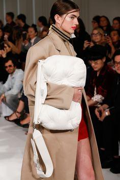 Maison Margiela Spring 2018 Ready-to-Wear Collection Photos - Vogue