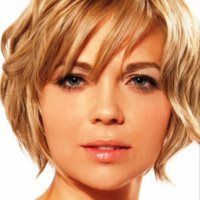 Latest short haircuts for that will give you a stunning look. Pixie cuts, bob hairstyles, shaggy and edgy short haircut, textured bobs and more. Hairstyles For Fat Faces, Round Face Haircuts, Short Hairstyles For Women, Bob Hairstyles, Short Haircuts, Celebrity Hairstyles, Wedding Hairstyles, Latest Hairstyles, Braided Hairstyles