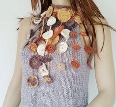 image 0 Crochet Box, Crochet Gifts, Crochet Circles, Circle Necklace, Macrame Bracelets, Handmade Jewellery, Crochet Projects, Jewerly, Necklaces
