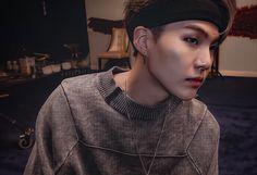 """yoongi being a hot cat; Bts Suga, Jimin 95, Min Yoongi Bts, K Pop, Jung Hoseok, Caroline Dhavernas, Rapper, Min Yoonji, Bts Group"