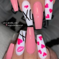 TheGlitterNail Get inspired! on XO Valentine Nails XO Nail Artist: nailsby_edith her for more gorgeous nail art designs! Turn on post Kiss Nails, Heart Nails, My Nails, Red Valentine, Valentine Nail Art, Nails For Valentines Day, Valentine Nail Designs, Valentine's Day Nail Designs, Acrylic Nail Designs