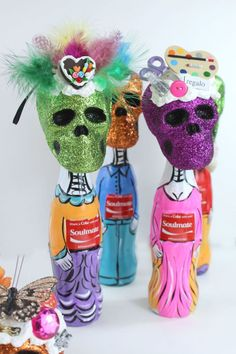 Our partner Kathy brings a 3,000 year-old tradition from Mexico to life with these Dia de los Muertos (Day of the Dead!) bottle people.