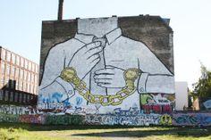 http://www.windbiel.de/wp-content/gallery/berlin/streetart_berlin_blu.jpg