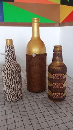 Garrafa Grande (vinho, cerveja, aguardente - a partir de 600 ml) R$ 15,00 Garrafa Pequena (vinho, cerveja, leite de coco, palmito - abaixo de 600 ml) R$ 10,00 Preços especiais para Kits. Por tratar de produtos reciclados e personalizados, os trabalhos podem não ficar exatamente igual aos d...