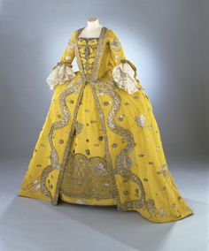 Robe à la française Silk extended tabby (Gros de Tours) with liseré self-patterning and brocading in silver lamella and filé England (Spitalfields), Rococo, 1750s Gift of the Fashion Group Inc. of Toronto in memory of Gwen Cowley