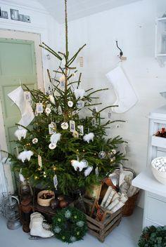 Scandinavian Christmas Decorating Ideas-66-1 Kindesign