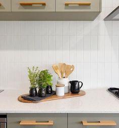 Kitchen Interior, Kitchen Design, Kitchen Splashback Tiles, Beaumont Tiles, Decoration, Hereford, Belgrade, White Satin, Tablescapes