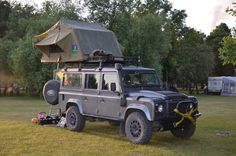 Land Rover Defender 110 SW SE- Camping.