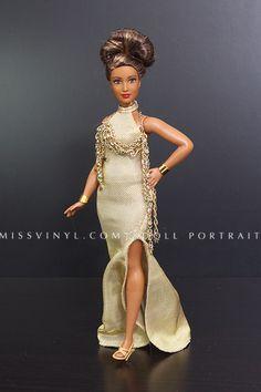 """Curvy Barbie in """"Look"""" Dress"""