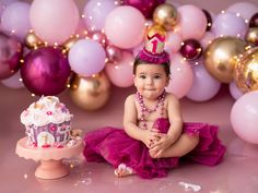 Smash Cake First Birthday, Smash Cake Girl, Baby Birthday Cakes, Girl Cakes, 1st Birthday Girl Decorations, 1st Birthday Party For Girls, Bolo Floral, Birthday Girl Pictures, 1st Birthday Photoshoot