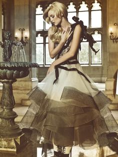 Lydia Hearst in Marchesa   Photo by Gomillion and Leupold   L'Officiel Brazil 2009