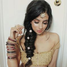 10 Most Amazing Wedding Hairstyles To Look Stunning During Your Weddings Mehndi Hairstyles, Indian Wedding Hairstyles, Baddie Hairstyles, Trendy Hairstyles, Braided Hairstyles, Punjabi Hairstyles, Arabic Hairstyles, Hairstyles Videos, Modern Haircuts