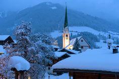 Alpbach in Tirol by night, Austria Visit Austria, Europe In December, Wilder Kaiser, Alpine Village, Ski Holidays, Voyage Europe, Chalets, Europe, Austria