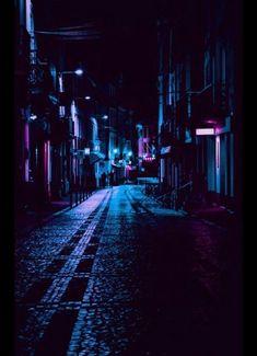 Beste Fotografie Inspiration Dark Night Ideas Source by mrsasys Urban Photography, Night Photography, Amazing Photography, Street Photography, Landscape Photography, Photography Ideas, Photography Classes, Newborn Photography, Colourful Photography