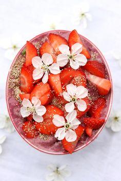 "Raspberry Nicecream Bowl - ""Ambassador of Spring ""  *  Raspberry Banana Ice-Cream with strawberries and flower toppings. #spring #bananaicecream #nicecream #raspberry #recipe #foodinspiration"