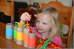 Fui asistente de maestra en pre-escolar. Me encanto trabajar con niños y lo disfrute!