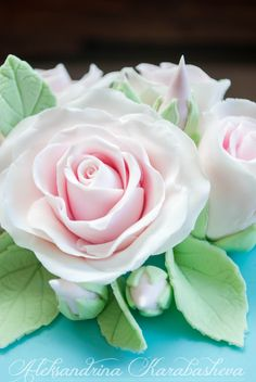 Fondant roses, part of a Shabby-chic cake!