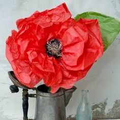 Make beautiful tissue poppies for Veterans/Remembrance Day!