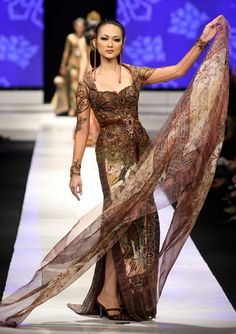 #Kebaya Anne Avantie by misslowlaaa, via Flickr