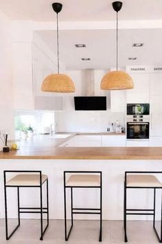 Below are some of the latest Minimalist Kitchen Model Images that might inspire you in designing and decorating your home. #ModernMinimalistKitchenSetDesignIdeasCabinet #ModernMinimalistKitchenSetDesignIdeasDiningRooms Kitchen Models, Kitchen Sets, Minimalist Kitchen, Modern Minimalist, Contemporary Kitchen Design, Decorating Your Home, Interior Design, Inspiration, Furniture