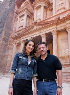 King Abdullah and Queen Rania at Petra, Jordan. Queen Noor, Queen Rania, Jordan Royal Family, Jordan Ones, King Abdullah, The Beautiful Country, Royal Weddings, Muslim Women, Royals