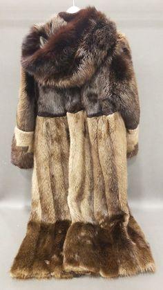 fc8b188a881 Elan Furs Full Length Hooded Fur Coat Sz 10 - shopgoodwill.com