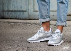 reebok classic leather trainers presence silver face