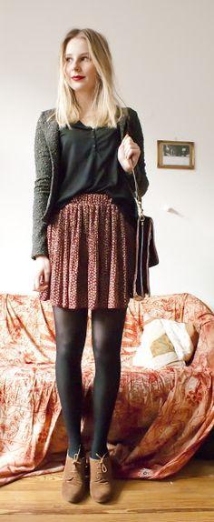 Flowy skirt, nylons, wedges