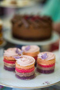 Big Cake Show via Daisy Cakes - http://www.daisycakes.me.uk/