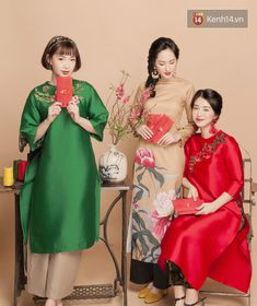 Vietnamese Traditional Dress, Vietnamese Dress, Lace Ao Dai, Elegant Dresses, Nice Dresses, Traditional Gowns, Ethnic Chic, Indochine, Chinese Style