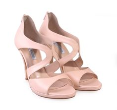 f3f48be8612 Οι 61 καλύτερες εικόνες του πίνακα παπουτσια γυνεκεια | Fashion ...