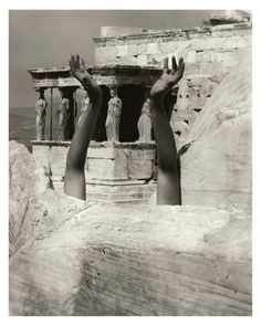Edward Steichen The Outstretched Arms of Therese Duncan, The Parthenon Isadora Duncan at the Parthenon Edward Steichen, Edward Hopper, Isadora Duncan, Harlem Renaissance, Juan Les Pins, Emily Bronte, Alfred Stieglitz, Photo Instagram, Museum Of Modern Art