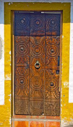 #Writing inspiration: What waits behind this door? (Puerto Vallarta, Mexico | Flickr: Intercambio de fotos)