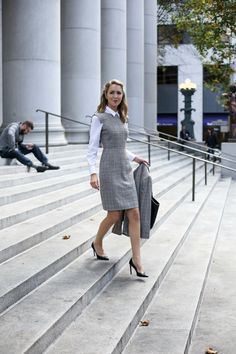 what-to-wear-to-fall-winter-interviews-business-formal-workwear-suit-dress1