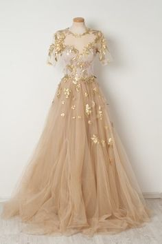 if i were a princess i would wear this for evening strolls through the palace gardens
