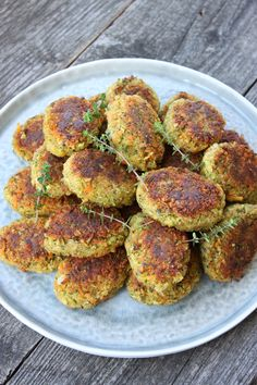Vegetarian Dinners, Vegan Vegetarian, Vegetarian Recipes, Healthy Recipes, Veggie Patties, How To Eat Better, Happy Foods, Greens Recipe, Fabulous Foods