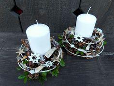 Adventní svícen bílý 2 Advent, Christmas Crafts, Christmas Decorations, Pavlova, Table Centerpieces, Pillar Candles, Recipes, Party, Dekoration