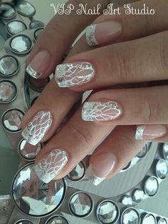 Absolutely beautiful. Wedding nails.