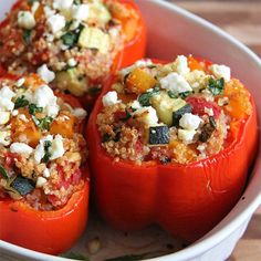 Quinoa casserole: Baked peppers with vegetable filling - Rezepte - Vegetarian Baked Peppers, Paleo Recipes, Cooking Recipes, Delicious Recipes, Cooking Tips, Stuffed Peppers With Rice, Stuffed Tomatoes, Good Food, Yummy Food