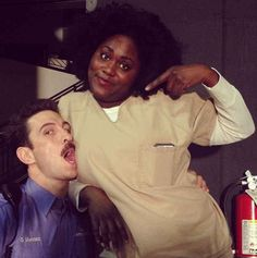 Taystee and Pornstache getting close: Orange is the New Black!