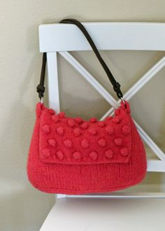 Beautiful, easy to knit purse pattern.  Adorable felted bag pattern that is quick and fun to knit.  The bobbles are easy to knit with written instructions and pictures for ...